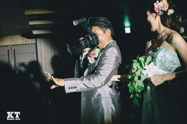 結婚式の写真を友達に頼んじゃダメ!5つの理由/結婚式カメラマン髙栁豪志
